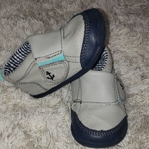 Carter's Every Step walking shoes. Size 4.
